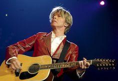 EN IMAGES. David Bowie, légende de la pop aux mille visages
