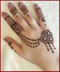 Top 20 Amazing Stylish Mehndi Design For Hands