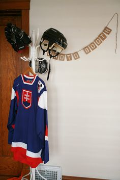 little mr moo: hockey birthday party - Photo booth!
