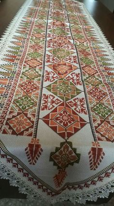 Embroidery Patterns Free, Cross Patterns, Counted Cross Stitch Patterns, Cross Stitch Designs, Hardanger Embroidery, Cross Stitch Embroidery, Hand Embroidery, Cross Stitch Numbers, Palestinian Embroidery