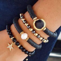 Photo by Mineral on November La imagen puede contener: joyas Handmade Wire Jewelry, Jewelry Gifts, Beaded Jewelry, Jewelery, Jewelry Accessories, Jewelry Design, Women Jewelry, Ankle Bracelets, Jewelry Bracelets
