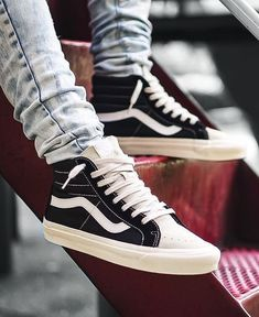 fec16742fdd2ab 50 Best Sneakers images in 2019
