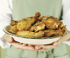 Oven-Fried Parmesan Chicken Refrigerated egg product and fat-free milk makes this main dish a dinnertime headliner that's also ideal for a healthy meal plan. Fried Chicken Parmesan, Fried Chicken Recipes, Healthy Chicken, Baked Chicken, Hen Chicken, Parmesan Crusted, Crusted Chicken, Chicken Meals, Parmesan Noodles
