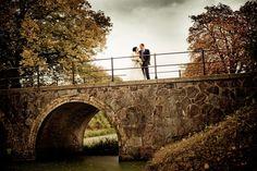 Stilsikker bryllupsfotograf Aarhus til personlige og kreative bryllupsbilleder. Bryllupsfotografering i hele Østjylland ved professionel fotograf.
