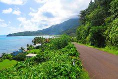 Empty roads in Raiatea Island - perfect for a roadtrip!
