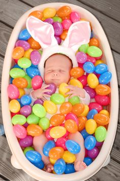 : good parenting : beautiful baby photography: family photography, newborn photography, baby pictures, in love, couples. Easter Pictures, Baby Pictures, Baby Photos, Cute Pictures, Family Pictures, Kid Photos, Baby Kalender, Baby Toys, Cute Kids