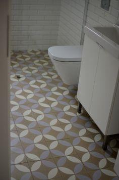 Circles. Tiles: Purpura #cementtiles