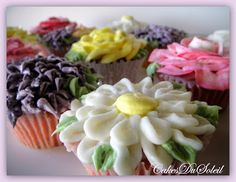 cakesdusoleil: Flowering Cupcakes