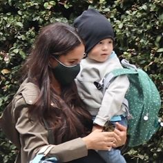 """Royal family (Fanpage) on Instagram: """"🚨New photo. Meghan Markle was spotted outside holding Archie Wednesday after Prince Harry returned to California from Prince Philip's…"""" Meghan Markle Prince Harry, Prince Harry And Megan, Harry And Meghan, Prince Harry Of Wales, Prince Philip, Kate And Meghan, Meghan Markle Style, British Royal Families, Royal Life"""