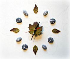 Green wall clock Botanical clock Nature decor by Sognoametista