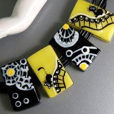 TRIZAS-ORIGINAL Handmade glass lampwork fused bead - cats -TOS0231 SRA #TRIZASOriginal #fused