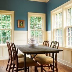 retro dining room design with good looking dining table and chairs