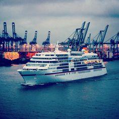 #hapaglloyd #ms #europa #mseuropa #hamburg #portofhamburg #welovehh @hapaglloydkreuzfahrten