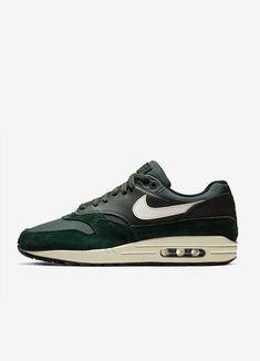 ad883317068 353 beste afbeeldingen van NIKE in 2019 - Nike shoes
