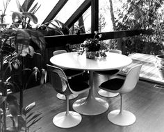 News and updates from the filmmakers of West Coast modernist architecture documentary, Coast Modern. Exterior Design, Interior And Exterior, Black And White Interior, Retro Home Decor, Love Home, Modern Architecture, Mid-century Modern, White Interiors, Lounges
