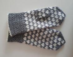 Vanten Hjärtevarm – Dela dina vantar! Knit Mittens, Knitted Gloves, Textiles, Knit Crochet, Diy Crafts, Knitting, Detail, Blog, Gifts