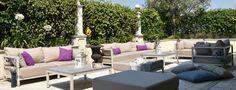 California è un divano dal design elegante e raffinato. La sua struttura portante èrealizzata in alluminio verniciato. Sia il rivestimento che I'imbottitura sono idrofughi, antimuffa e antimacchia. E' disponibile nelle versioni California - San Diego e California - San Francisco. Outdoor Sectional, Sectional Sofa, San Diego, San Francisco, California, Outdoor Furniture, Outdoor Decor, Showroom, Design