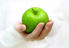 Smelling green apples, bananas and peppermint can curb cravings