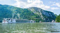 Flusskreuzfahrt auf der Donau - Buy this stock photo and explore similar images at Adobe Stock