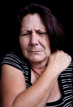 Remedies For Arthrtis Black Seed Oil is Better than Tylenol for Arthritis Relief - Nigella Sativa Yoga For Arthritis, Juvenile Arthritis, Natural Remedies For Arthritis, Rheumatoid Arthritis Treatment, Arthritis Relief, Types Of Arthritis, Pain Relief, Reactive Arthritis
