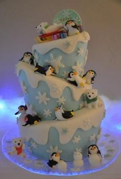 mimicafeunion & michelle made this BEST EVER WINTER THEME cake! Sooooo cute…                                                                                                                                                                                 More