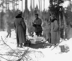 The Jääkärit (Finnish Jaegers) and their place in the Finnish Army (Jaakaripataljoonan Officers in winter during the fighter. In the center, Zugfuhrer Lennart Oesch) - from http://www.alternativefinland.com/the-jaakarit-and-their-place-in-the-finnish-army/