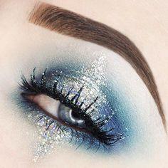 Makeup Geek Eyeshadow in Mermaid + Makeup Geek Foiled Eyeshadow in Center Stage. Look by: Rebecca Seals