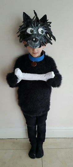Hairy Maclary, with bone for World Book Day. Papier Mache head and bone. Book Costumes, World Book Day Costumes, Book Week Costume, Diy Costumes, Costume Ideas, Book Characters Dress Up, Character Dress Up, Book Character Costumes, World Book Day Ideas