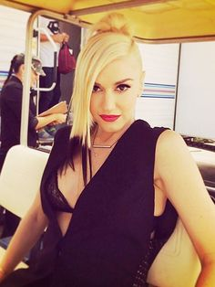 Gwen Stefani's The Voice Hair Provides Endless Styling Inspiration ...