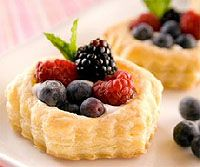 Food for parties: Pretty and easy puff pastry shell desserts