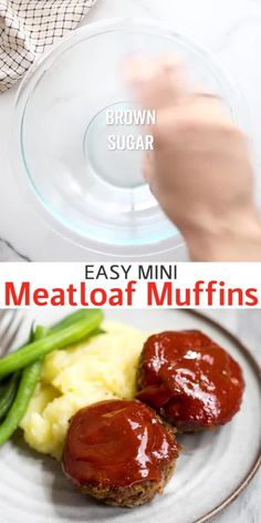 Easy Mini Meatloaf muffins are made with ground beef or ground turkey and topped with a delicious meatloaf sauce. They are easier and healthier than traditional meatloaf. dinner recipes with ground beef Mini Meatloaf Ground Beef Recipes For Dinner, Dinner With Ground Beef, Dinner Recipes, Easy Ground Turkey Recipes, Turkey Meatloaf Muffins, Ground Turkey Meatloaf, Meatloaf Cupcakes, Turkey Burgers, Pastries