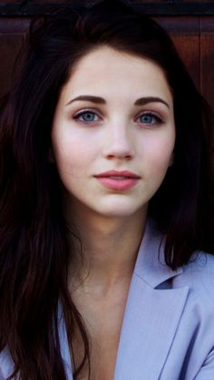 Lovely Emily Rudd