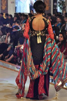 Erum Khan Latest PBCW 2013 Collection #pantenebridalcoutureweek2013 #bridalcouture http://www.fashioncentral.pk/pakistani/ramp/review-1260-erum-khan-collection-at-pantene-bridal-couture-week-2013-day-2/