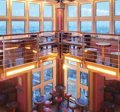 Hotel Hafen Hamburg: Restaurant und Bars mit Hafenblick an den Landungsbrücken