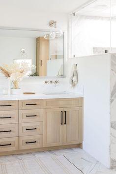 Unique Bathroom Sinks, White Master Bathroom, Oak Bathroom, Condo Bathroom, Bathroom Renos, Bathroom Renovations, Neutral Bathroom, Vanity Bathroom, Bathroom Modern