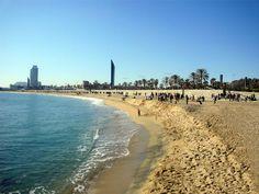 Het strand van Bogatell http://bezoekbarcelona.blogspot.com/2010/07/de-stranden-van-barcelona.html