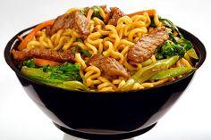 Quer um jantar saboroso e saudável?  #peçayakisobom (18) 99165-0430 ou (18) 99698-7627 #whatsapp (18) 99141-0579  #yakisobom #chefclimaco