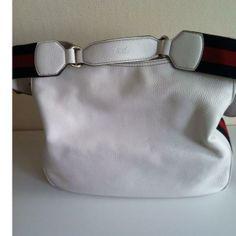 Tip: Gucci Handbag (White)