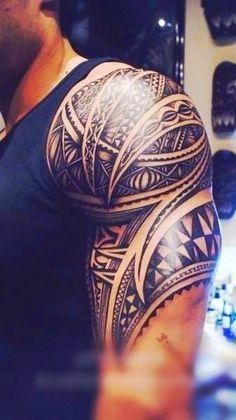 Tatuagens tribais sao melhores projetos para homens no Ombro