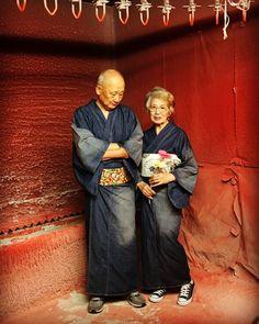 The Kimono Gallery — anji-salz: Grandma goals! Geisha, Textiles, Yukata Kimono, Kimono Japan, Traditional Japanese Kimono, Modern Kimono, Art Textile, Advanced Style, Japanese Outfits