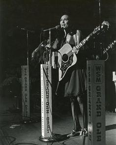 Loretta Lynn - Grand Ole Opry