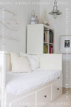 Dziecięca sypialnia, Mimowolne Zauroczenia, domek plażowy w pokoju, latarnie morskie, sieci, piasek.