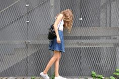 H&M Top, Stradivarius Skirt, Sammy Dress Shoes #ootd coordinate style styling コーデ コーディネート コンバース キャンバス スニーカー ハイカット ローカット 白 ホワイト white 黒 ブラック black