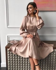 Source by lisafirle vestidos largos casuales Elegant Outfit, Classy Dress, Classy Outfits, Classy Chic, Casual Outfits, Cool Outfits, Winter Dress Outfits, Casual Summer Dresses, Modern Outfits