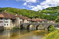 Porrentruy/Pruntrut, close to the border to France Lucky Luke, Beaux Villages, Belle Villa, Travel Europe, Switzerland, Landscapes, France, Mansions, House Styles