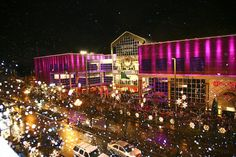 "Bellevue Square (Washington) - The best shopping, dining and nightlife!!....A must see during the holidays is ""Snowflake Lane"" (the entire street comes to life)!!"
