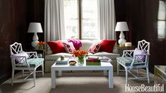 Having small living room can be one of all your problem about decoration home. To solve that, you will create the illusion of a larger space and painting your small living room with bright colors c… Small Living Rooms, Living Room Designs, Living Area, Studio Apartment Living, Apartment Chic, Brown Paint Colors, Custom Sofa, Woman Bedroom, Design Blog