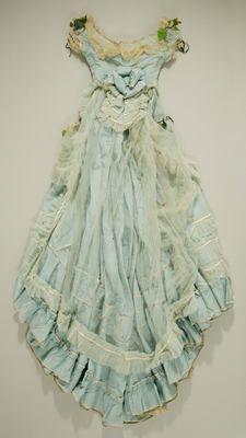 ~ gorgeous silk and linen ensemble ca. 1870