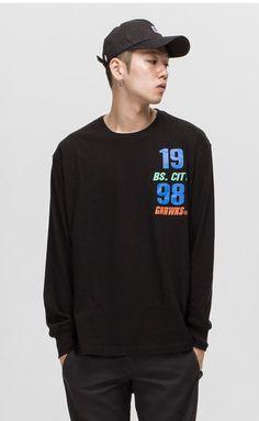 XXXXL까지!! 스타일리쉬 그래픽 긴팔티셔츠. 모델 188cm / 73kg / XXXXL size