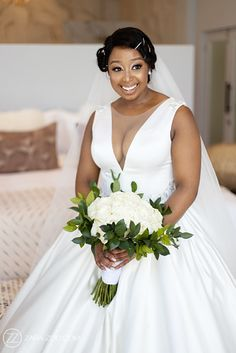 Inimitable Wedding Photos Wedding Venues, Wedding Photos, Reflection Photos, Black Bride, Event Company, Photo Black, Summer Wedding, Wedding Inspiration, Flower Girl Dresses